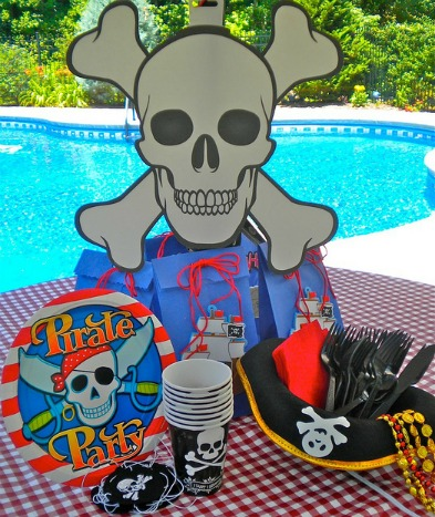 pirate party decorating