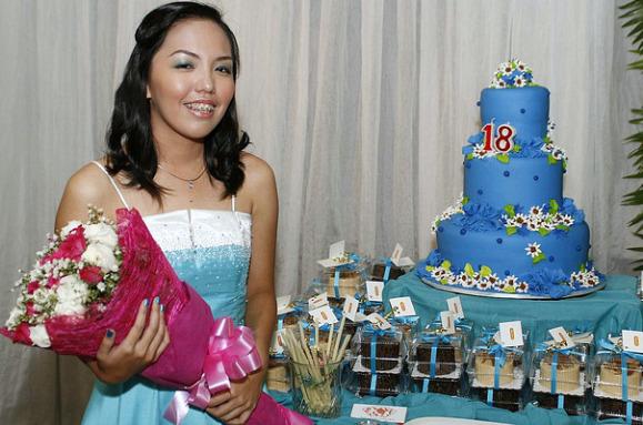 18th birthday cake debut